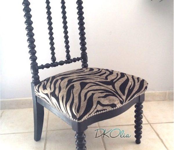 chaise basse laquée noire